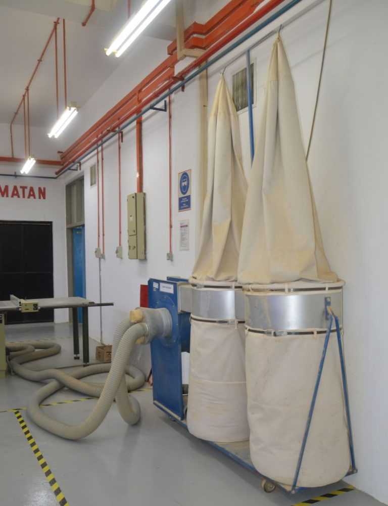 Dust collection system (vacuum)